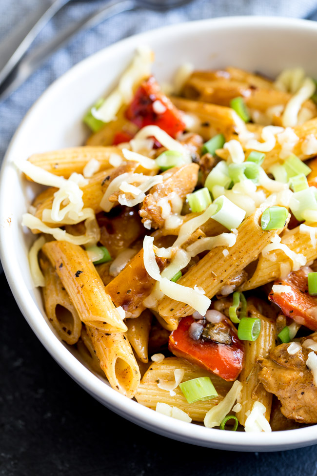 This creamy Cajun chicken pasta is packed full of flavour. Cajun spiced chicken, crunchy sautéed vegetables and a deliciously creamy cajun sauce. All stirred through pasta. This isn't pasta that Nonna would make but this is pasta your family will love!