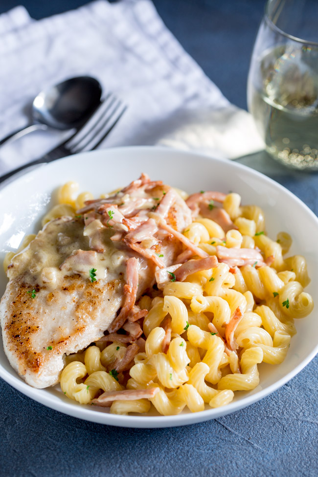 This creamy chicken and bacon pasta is sure to please the whole family. Succulent juicy chicken breast smothered in a creamy bacon sauce covering a mountain of pasta. This is comfort food at its very best.