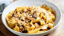 This Venetian Chicken pasta with Pinenuts, Rosemary and Sultanas is a rich and delicious pasta dinner; just grab a supermarket rotisserie chicken and follow our top tips for creating this fabulous dinner in under half an hour. From Easy Pasta Sauces